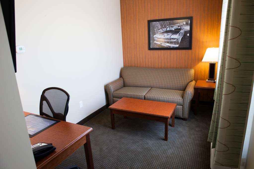 Best Western Plus Service Inn & Suites - Business Suite Working Area