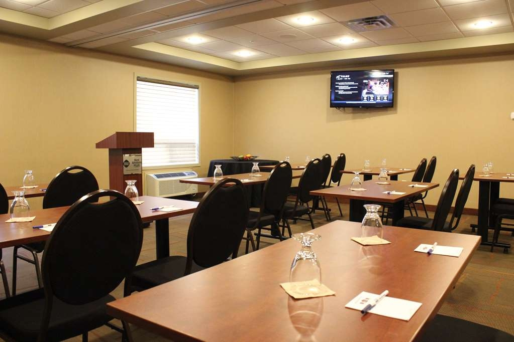 Best Western Plus Service Inn & Suites - Meeting Room