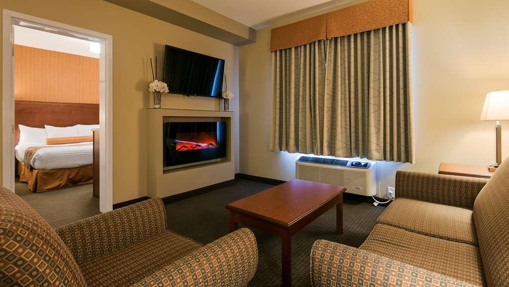 Best Western Plus Service Inn & Suites - Executive King Suite