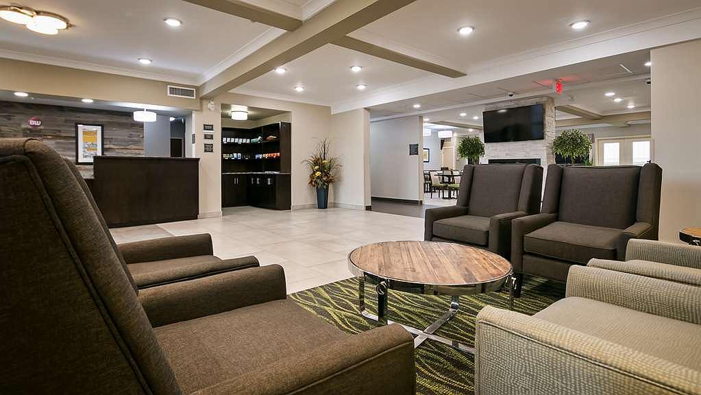 Best Western Plus Fort Saskatchewan Inn & Suites - Hall