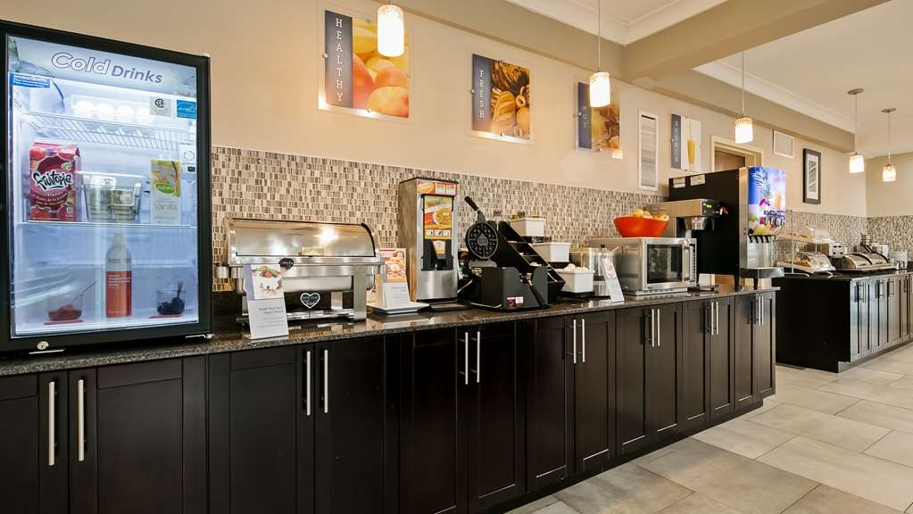 Best Western Plus Fort Saskatchewan Inn & Suites - Breakfast Bar