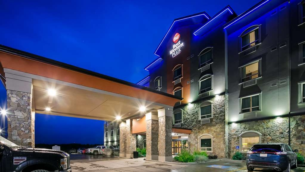 Best Western Plus Drayton Valley All Suites - Facciata dell'albergo