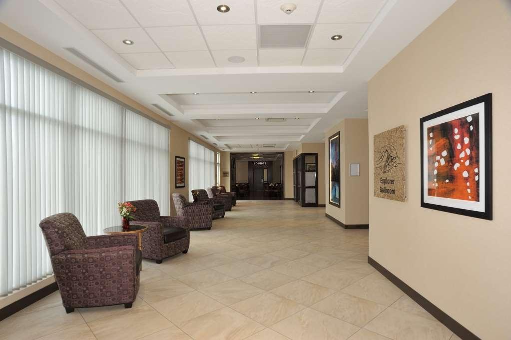 Best Western Plus Edmonton Airport Hotel - Hall