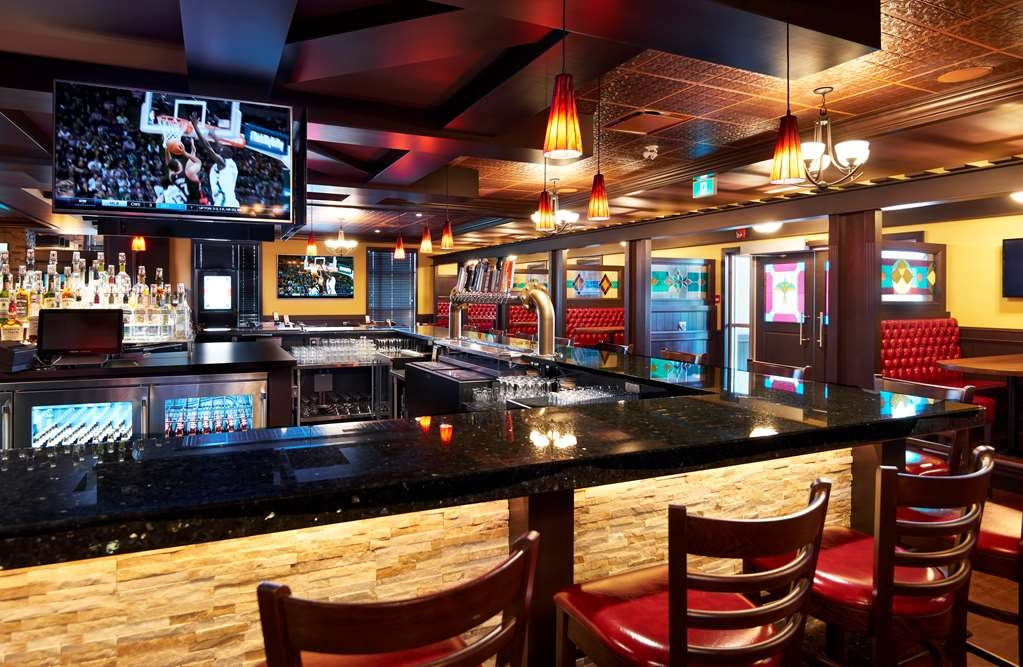 Best Western Plus Edmonton Airport Hotel - Bar / Lounge