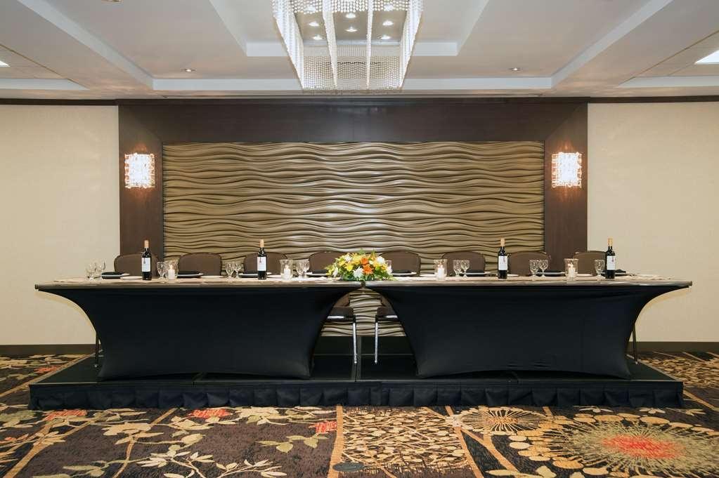 Best Western Plus Edmonton Airport Hotel - salón de baile