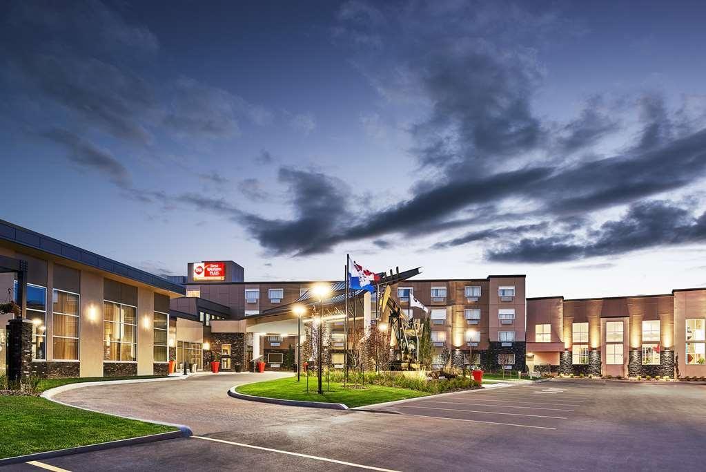 Best Western Plus Edmonton Airport Hotel - Vista Exterior