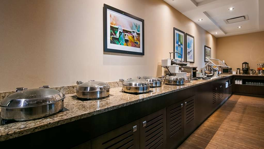 Best Western Plus Edmonton Airport Hotel - Restaurant / Etablissement gastronomique