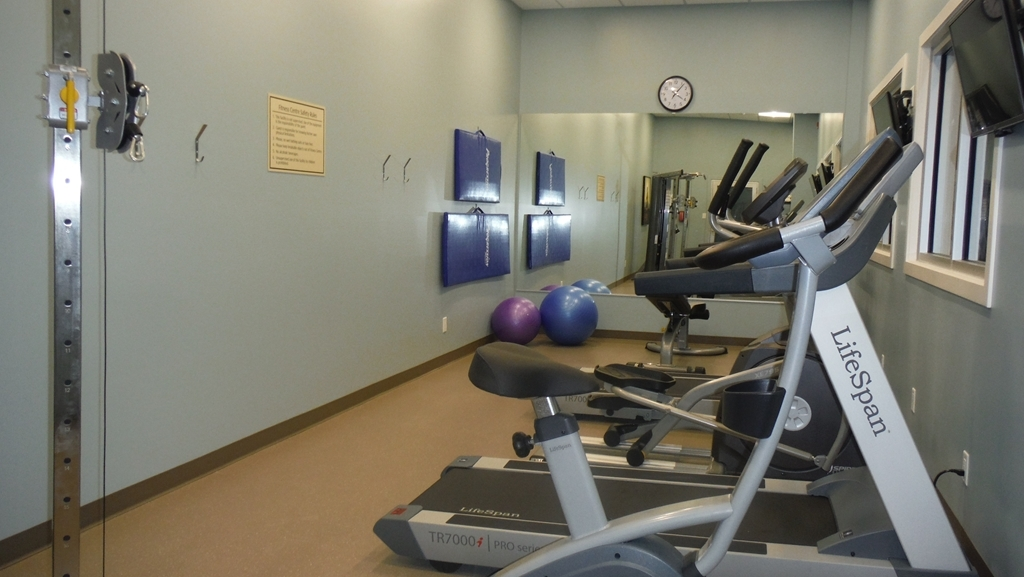 Best Western Plus Lacombe Inn & Suites - exercise chambre