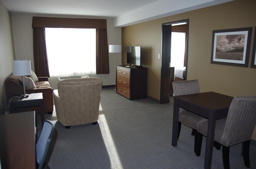 Best Western Plus Lacombe Inn & Suites - Separate Bedroom/ Full Living Area