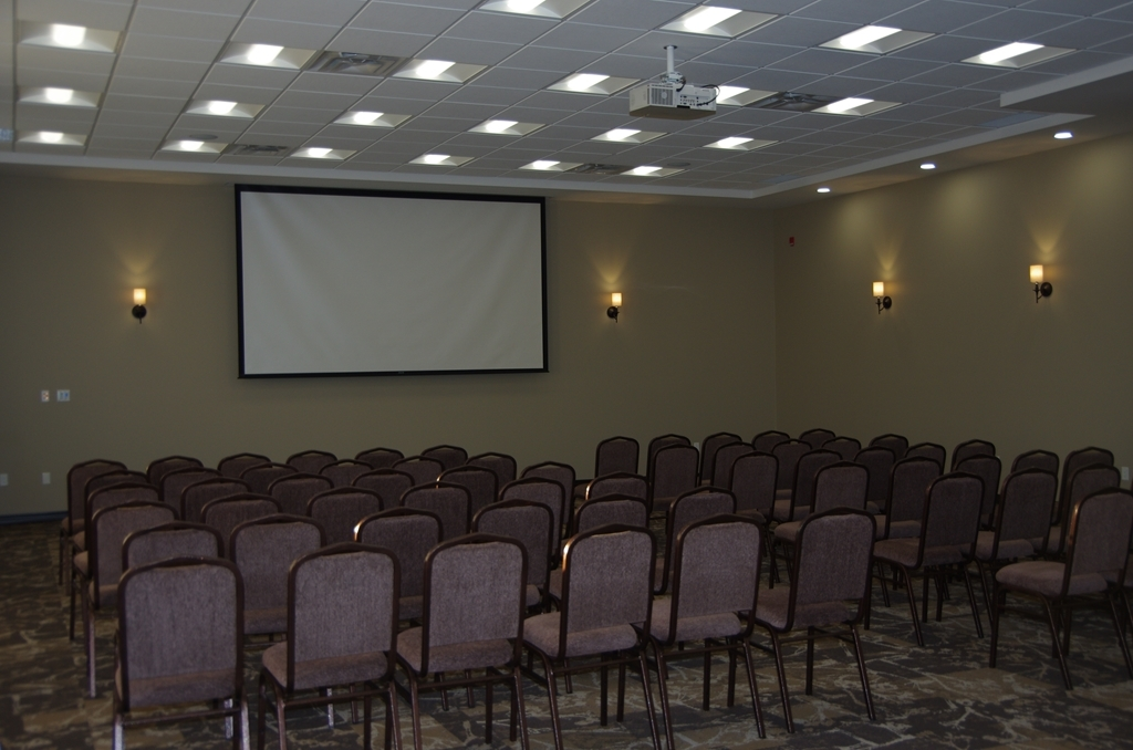Best Western Plus Lacombe Inn & Suites - Gustafson B Conference Space