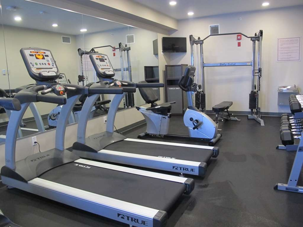 Best Western Plus Chestermere Hotel - Sala fitness