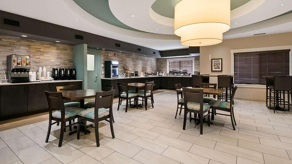 Best Western Plus Chestermere Hotel - Restaurante/Comedor