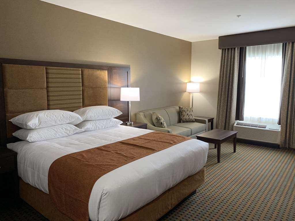 Best Western Plus Hinton Inn & Suites - Standard King Guest Room