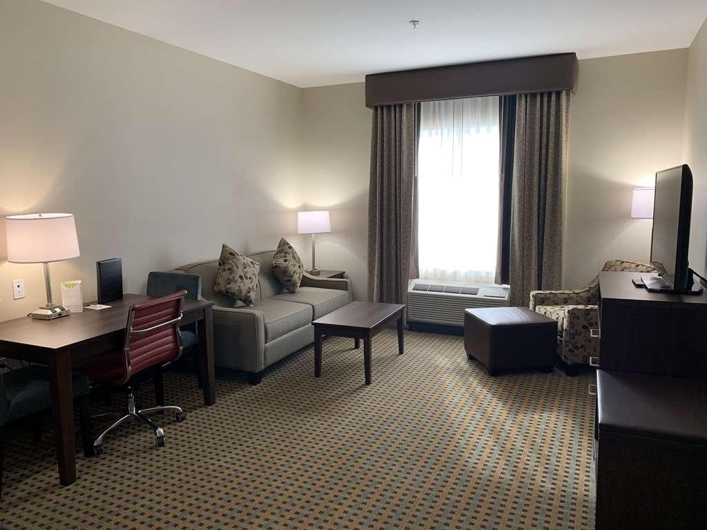 Best Western Plus Hinton Inn & Suites - One Bedroom Suite