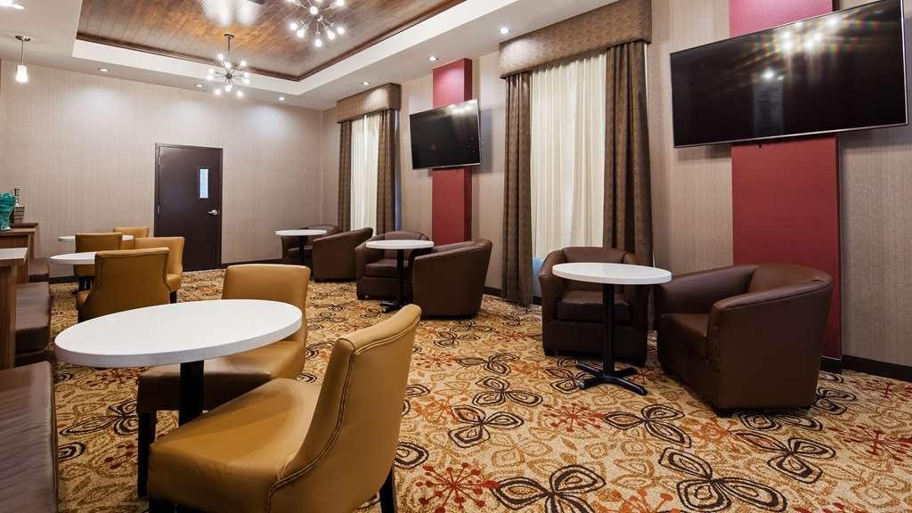 Hotel in Hinton | Best Western Plus Hinton Inn & Suites