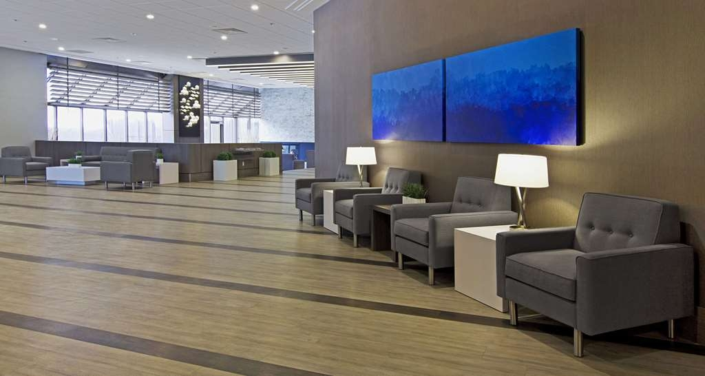 Best Western Premier Calgary Plaza Hotel & Conference Centre - Lobby