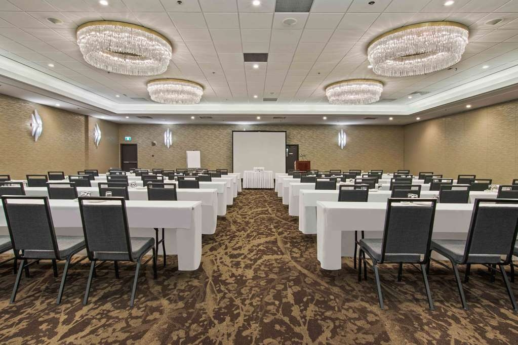 Best Western Premier Calgary Plaza Hotel & Conference Centre - Plaza Classroom Setup