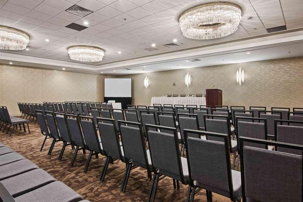 Best Western Premier Calgary Plaza Hotel & Conference Centre - Plaza Theatre Setup