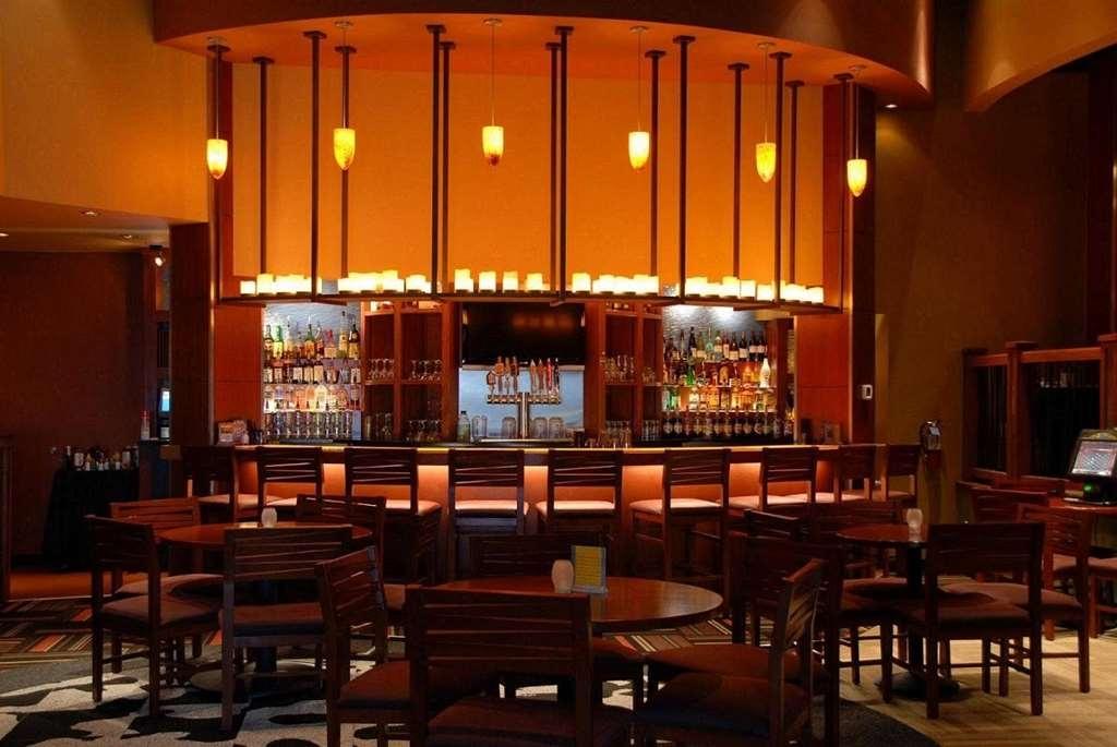 Best Western Plus Loveland Inn - Bar/Lounge