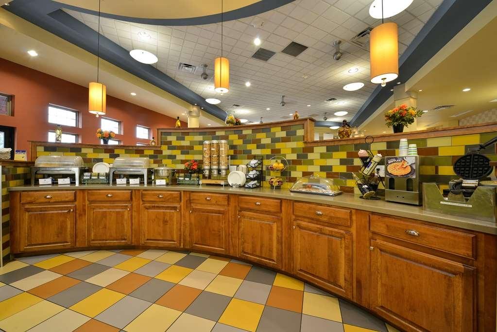 Best Western Plus Loveland Inn - Frühstücksbuffet