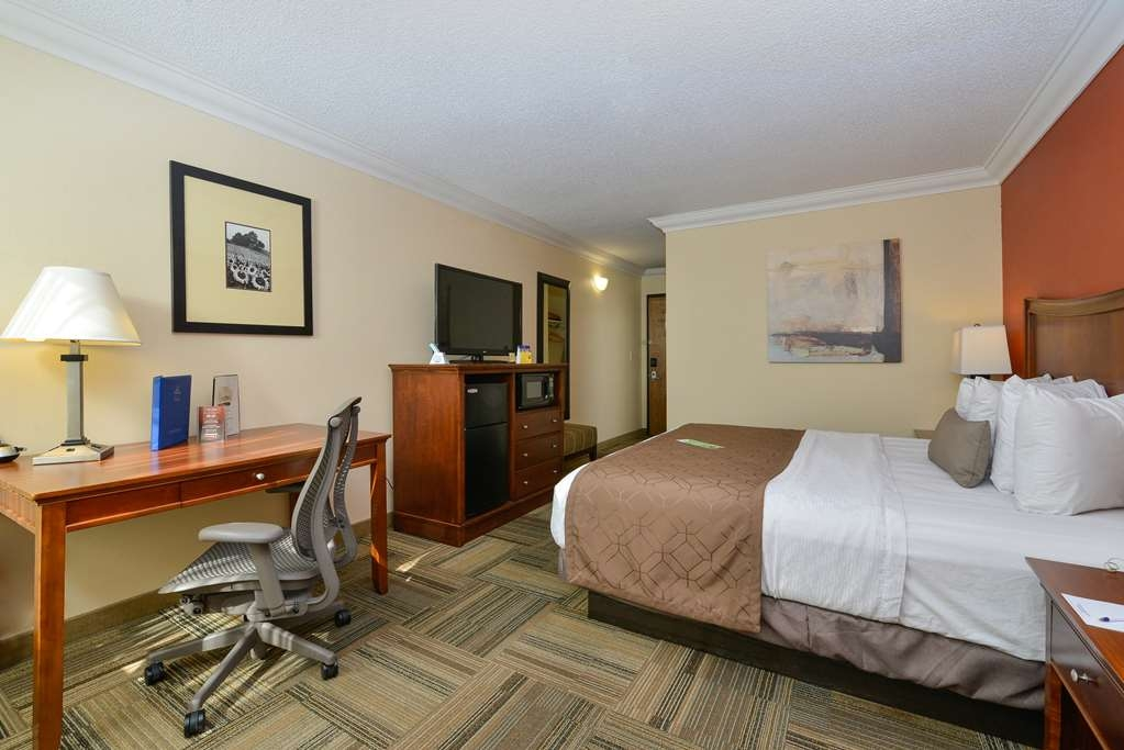 Best Western Plus Loveland Inn - Our king rooms are ideally equipped for both business and leisure travelers.