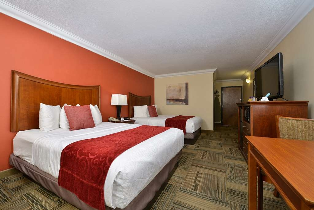 Best Western Plus Loveland Inn - Enjoy a good night's rest on our pillow top beds during your visit to Loveland and Northern Colorado.