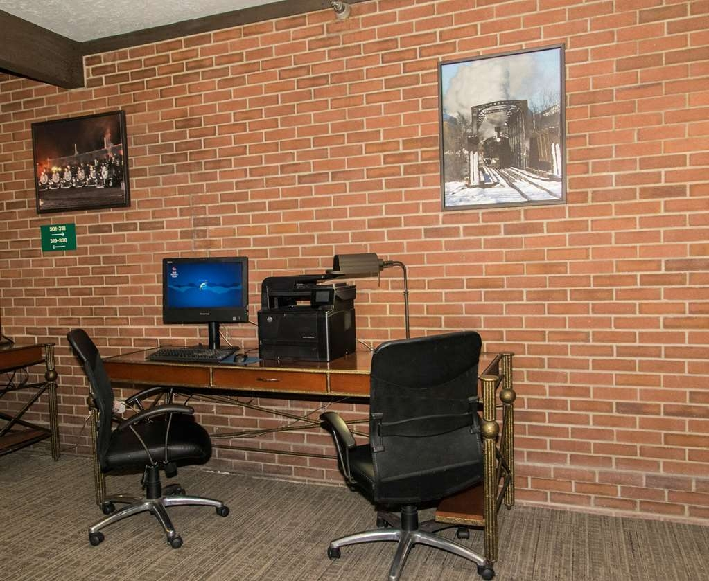 Best Western Plus Rio Grande Inn - Computer work stations available for all business needs.
