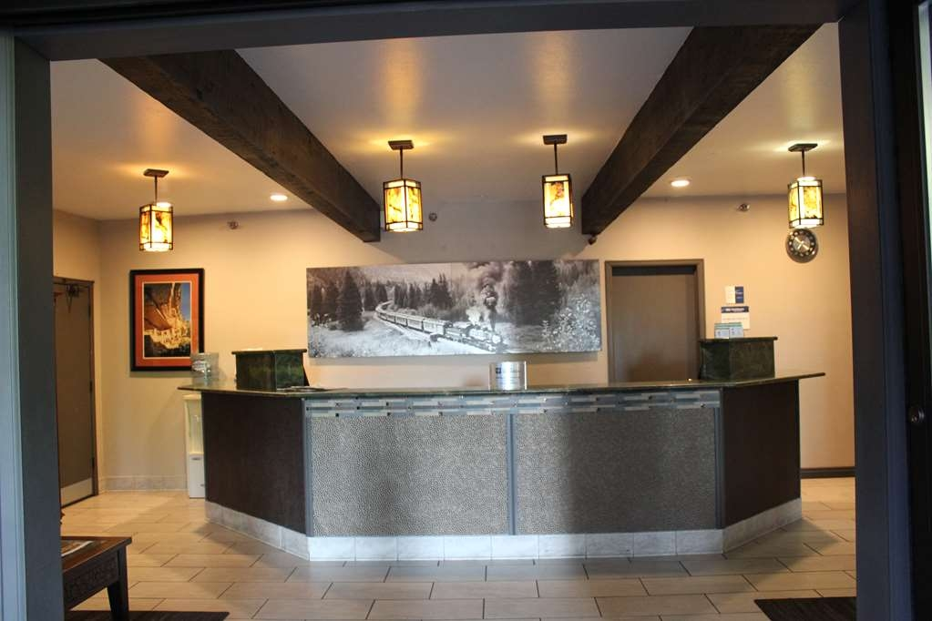 Best Western Plus Rio Grande Inn - Our newly designed cozy lobby is open 24 hours a day where our staff is ready to assist in any way they can to make your stay as comfortable as possible.