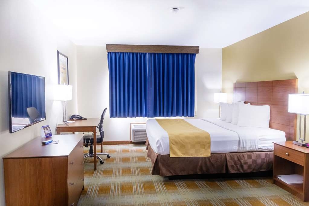 Best Western Kiva Inn - Non-Smoking One King Bed Room with TV, Refrigerator and Microwave