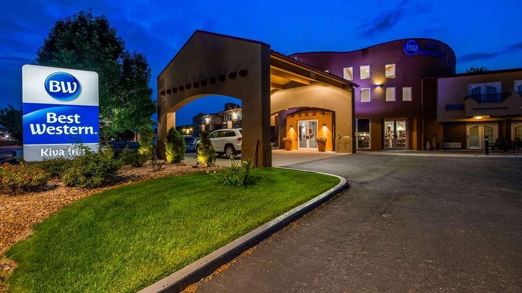 Best Western Kiva Inn - Façade