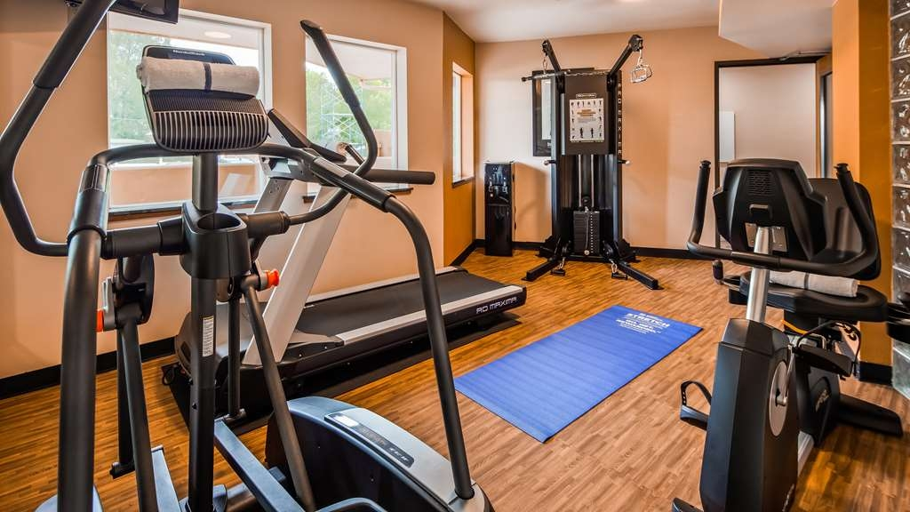 Best Western Kiva Inn - Burn off breakfast with a visit to our fitness center.