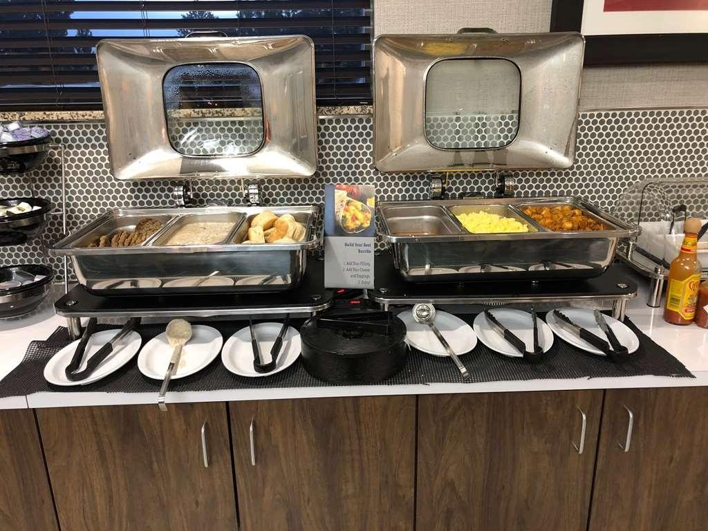 Best Western Plus Gateway Inn & Suites - Full Hot Breakfast