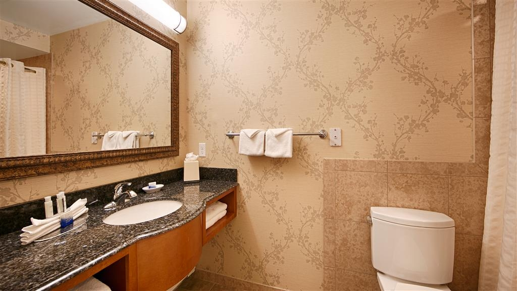 Best Western Plus Silver Saddle Inn - Baño