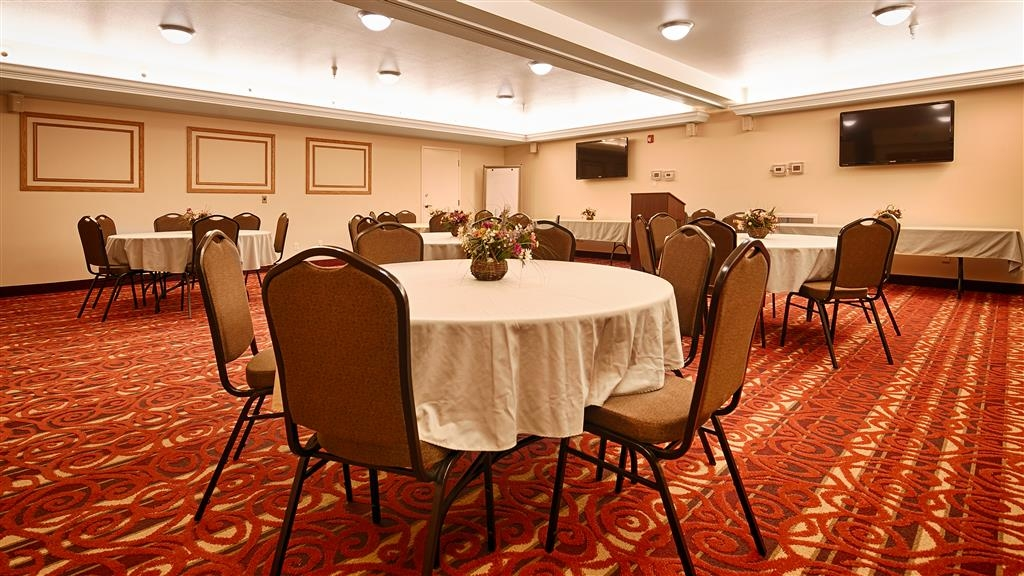 Best Western Plus Silver Saddle Inn - Sala de reuniones
