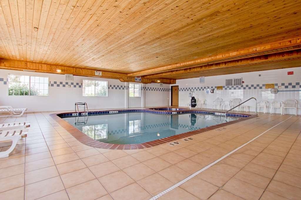 Best Western Firestone Inn & Suites - Piscina e vasca calda.