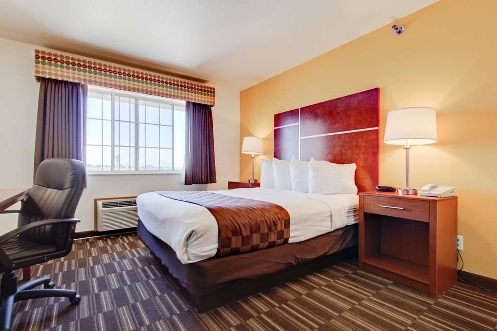 Best Western Firestone Inn & Suites - Relax in one of our comfortable rooms!