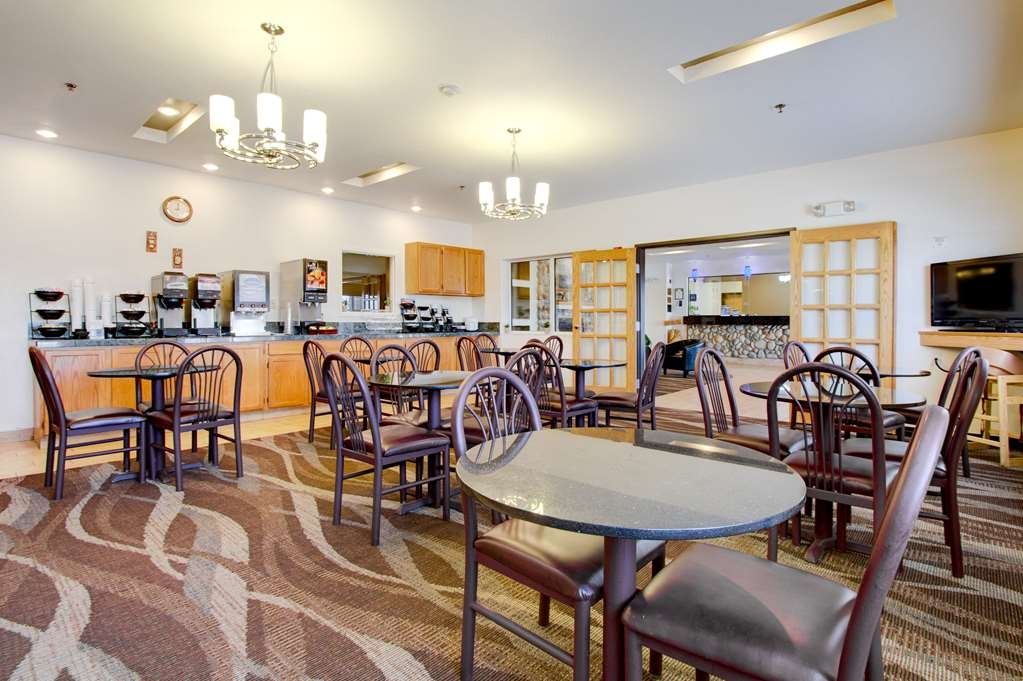 Best Western Firestone Inn & Suites - Colazione a buffet