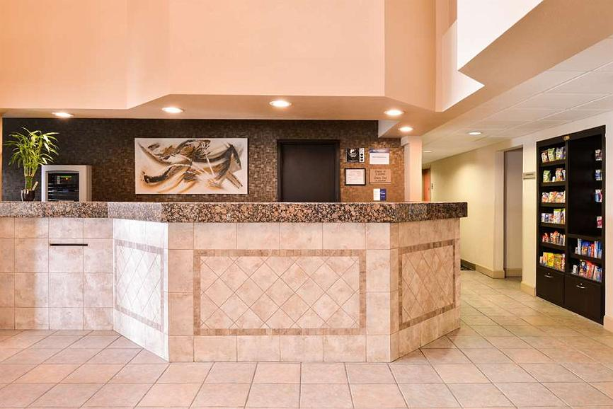 Best Western Executive Inn & Suites - Vue du lobby