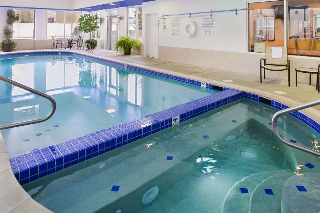 Best Western Executive Inn & Suites - Piscina