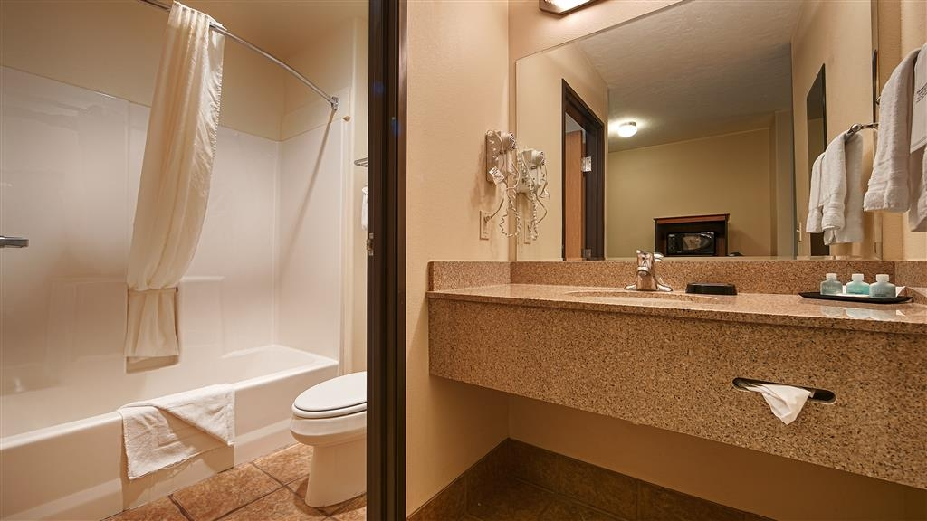 Best Western Plus Eagleridge Inn & Suites - Badezimmer