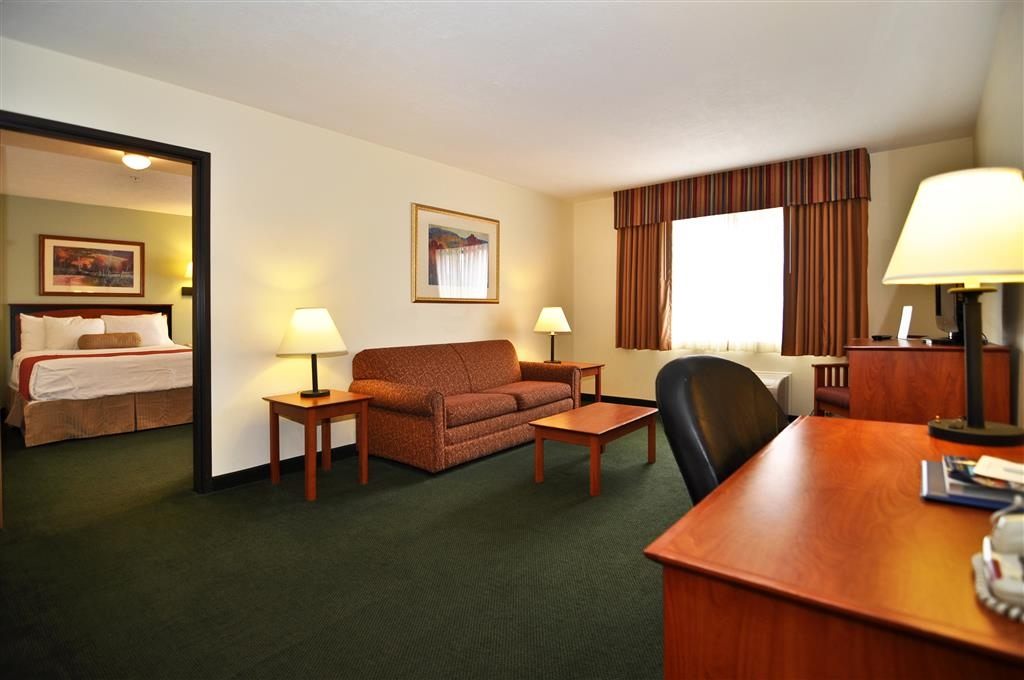 Best Western Plus Eagleridge Inn & Suites - Gästezimmer