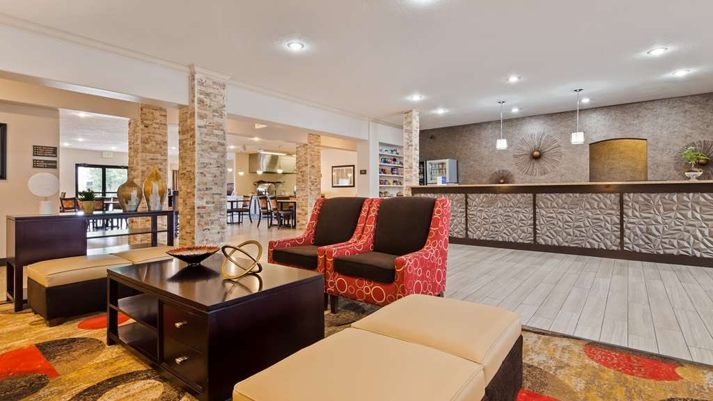Best Western Plus Eagleridge Inn & Suites - Lobbyansicht