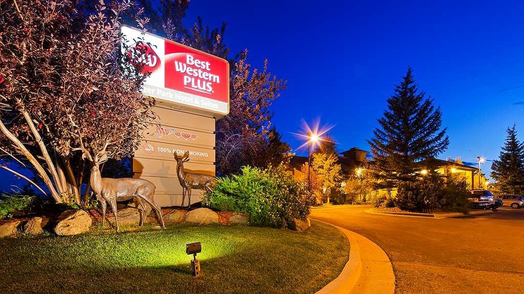Best Western Plus Deer Park Hotel and Suites - Vue extérieure