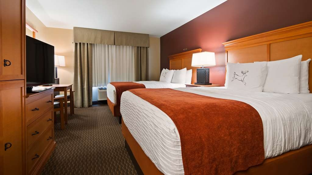 Best Western Plus Deer Park Hotel and Suites - Designed for corporate and leisure traveler alike, make a reservation in this 2 Queen Bed room.