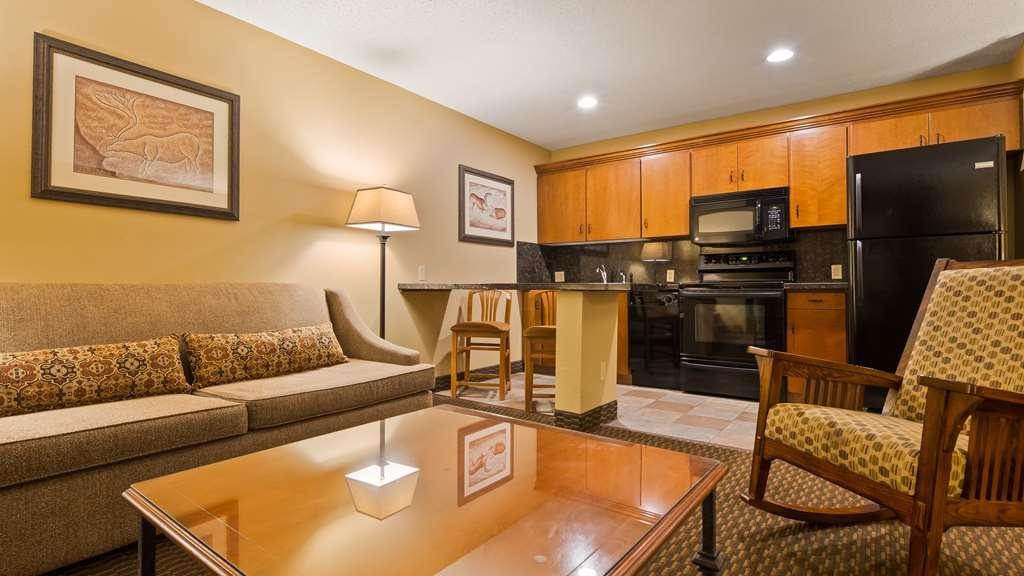 Best Western Plus Deer Park Hotel and Suites - Suite