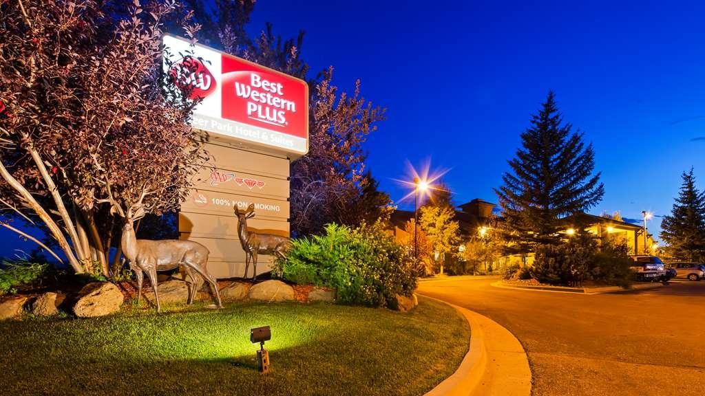 Best Western Plus Deer Park Hotel and Suites - Vista Exterior