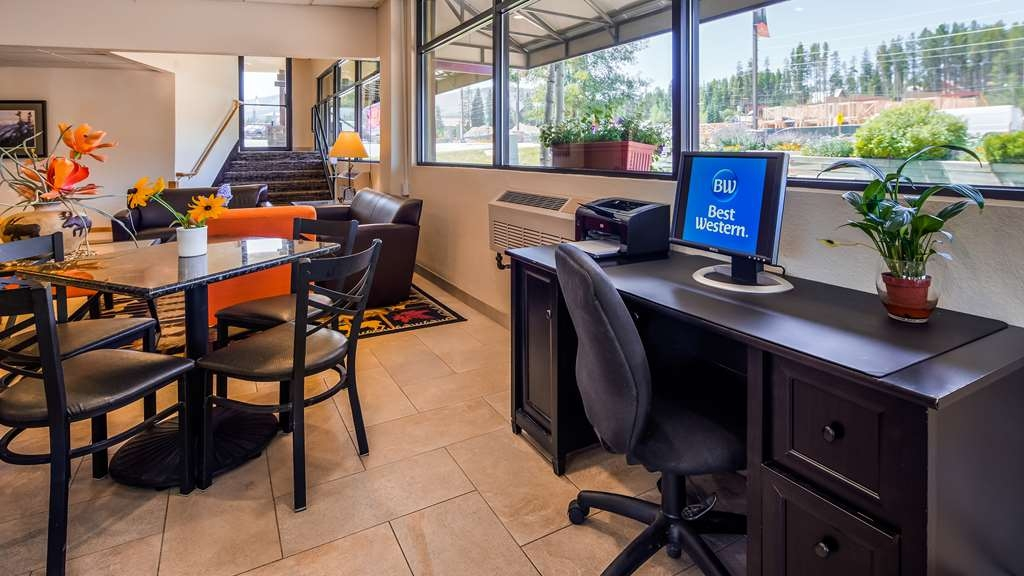 Best Western Alpenglo Lodge - Keep connected in our business center.