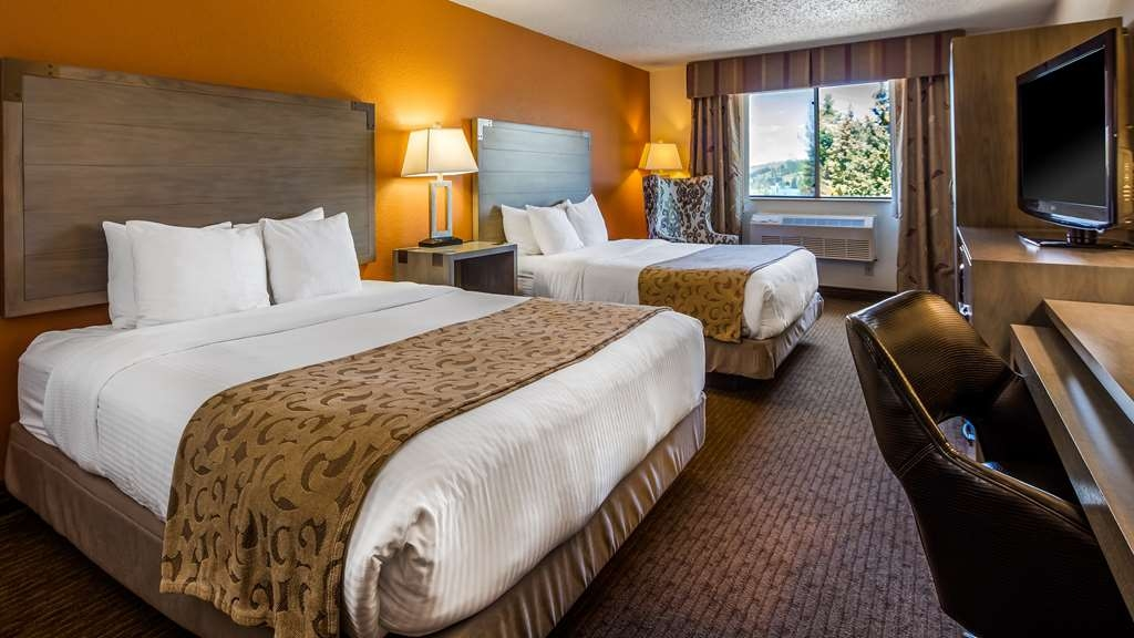 Best Western Alpenglo Lodge - Pet-Friendly Standard Two Queen Guest Room
