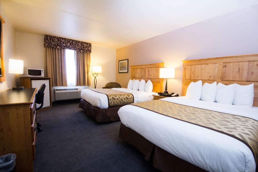 Best Western Brighton Inn - Get a comfortable night's sleep in our double room.