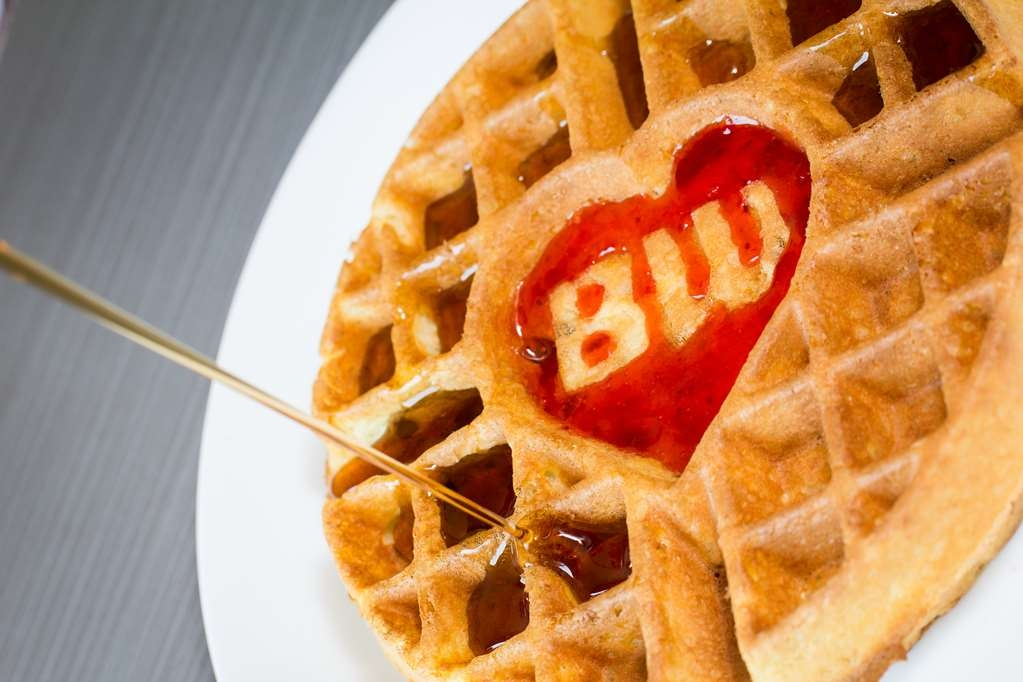 Best Western Brighton Inn - Create your own waffle.